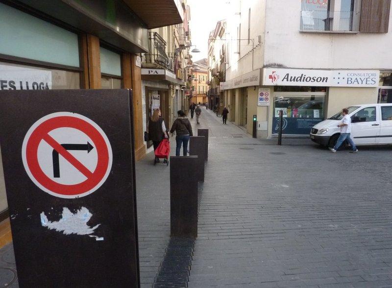 Olot. Vialitat. Pla de vialitat urbana. Zones amb al trànsit motoritzat restringit.  Careto: No  Foto: Ramon Estéban 781#Ramon Esteban Pages