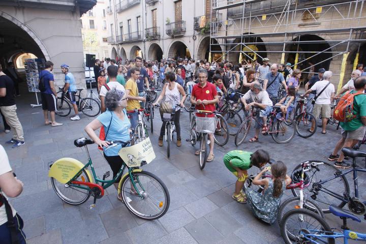 Més d´un centenar de ciclistes rebutgen les sancions a bicis