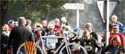 Bicicletes blanques com a homenatge