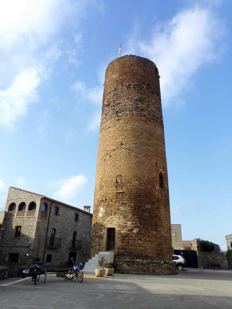 Foto 3- La torre de l'homenatge de Cruïlles